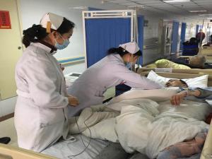 雪天医院骨折病人猛增,协和江北医疗救护有条不紊
